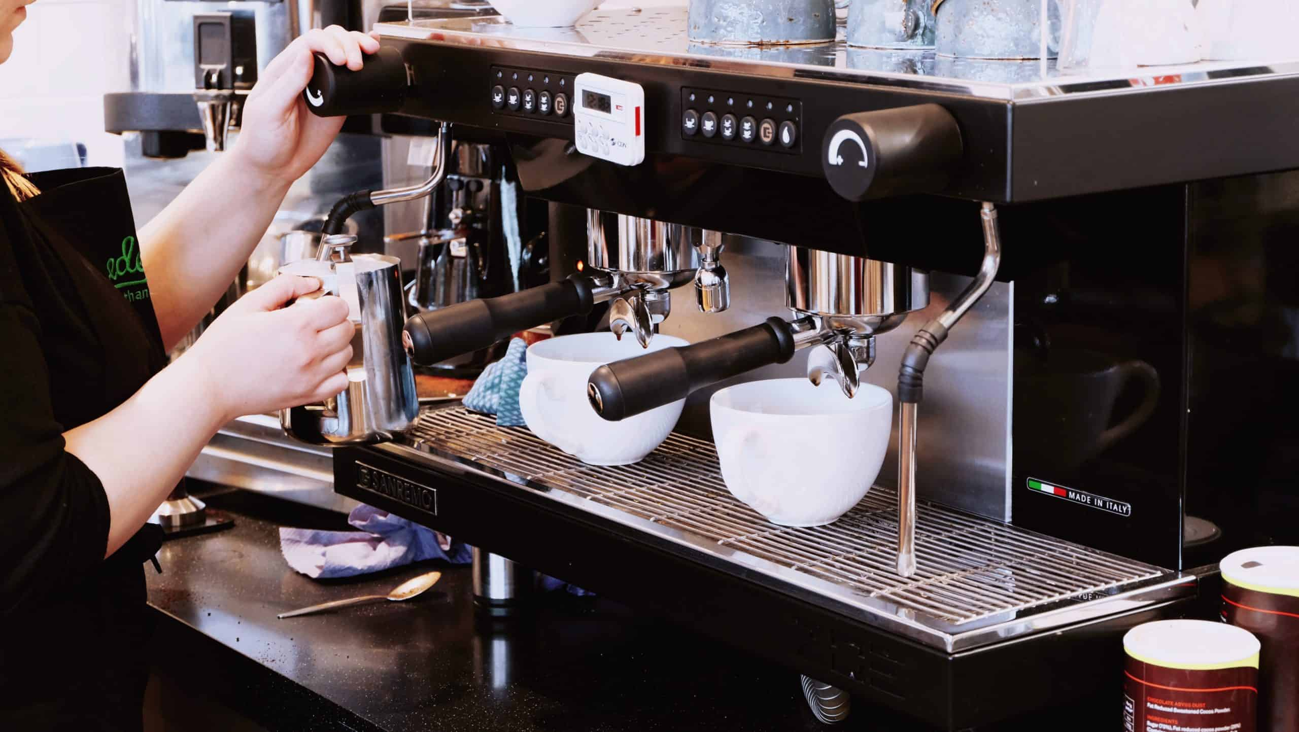 The Advantages of Owning A Coffee Machine At Home